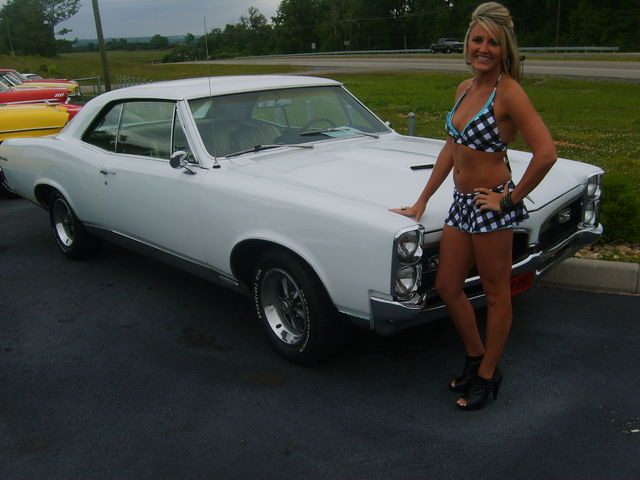 1967_gto_for_sale_with_chick2
